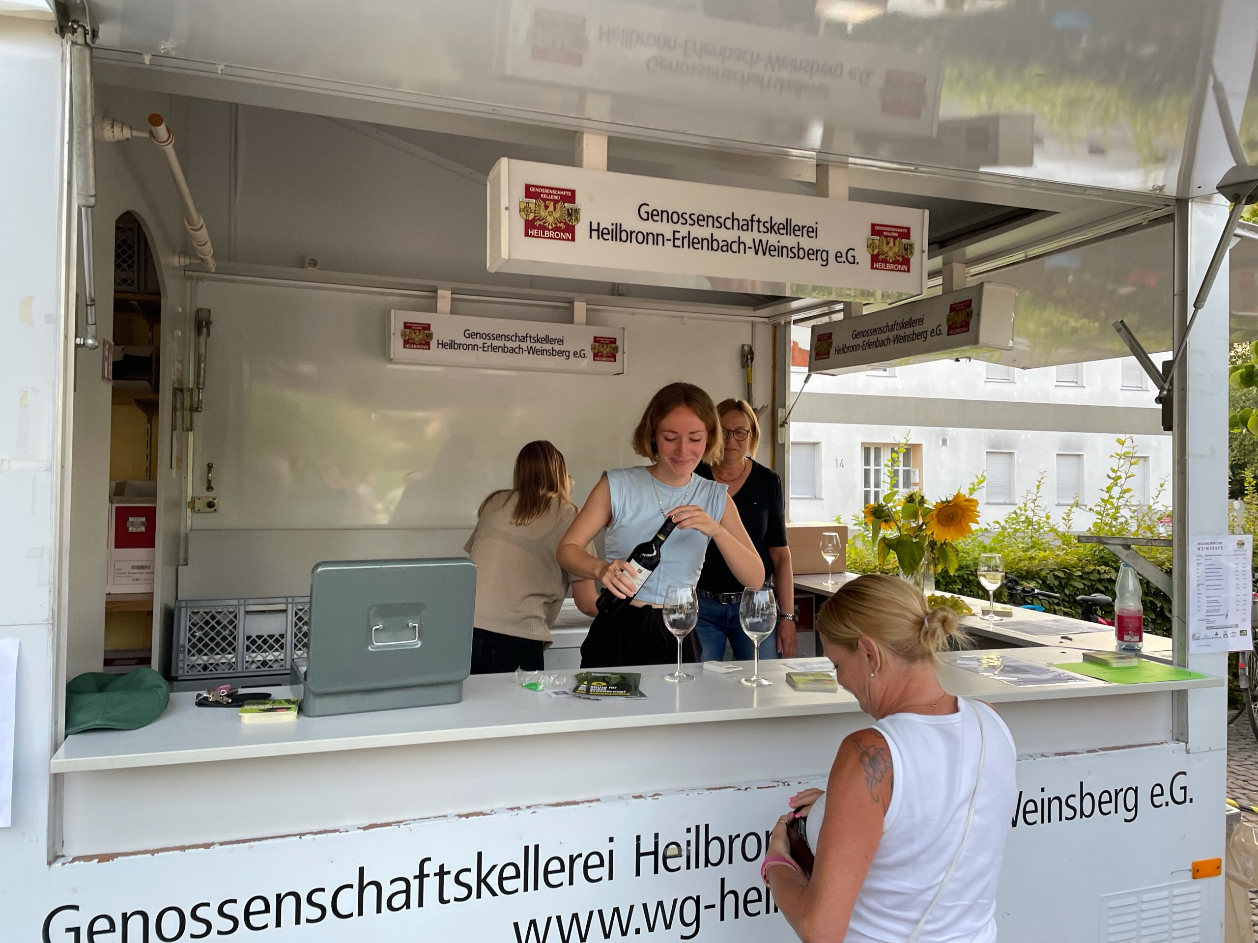 Weinausschank auf dem Weinfest Neckargartach
